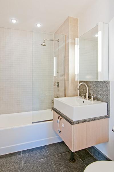 Greenwich_Street_120_9-C_Bathroom_