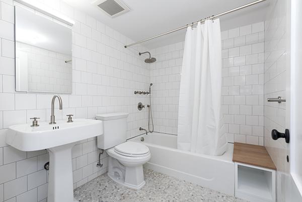 Warren_Street_192_Garden_Bathroom