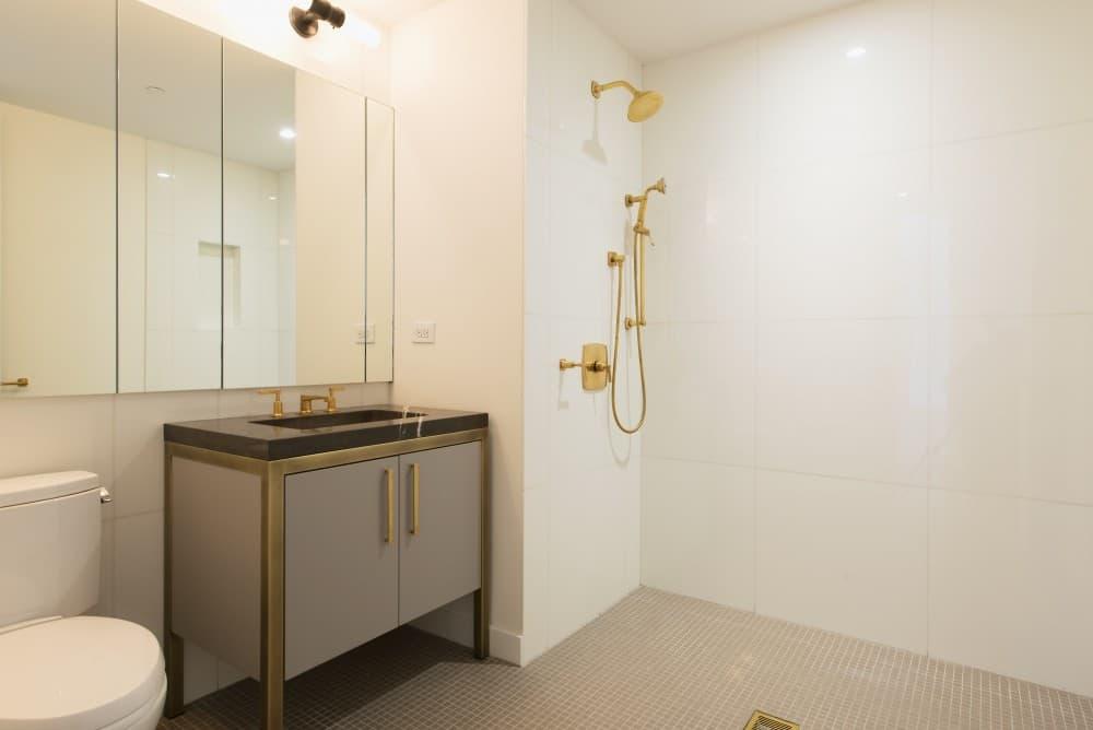 West_21st_Street_500_3D_Bathroom2_
